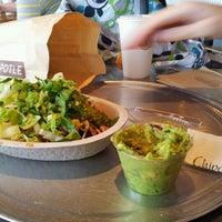 Foto tomada en Chipotle Mexican Grill por Jonathan D. el 7/7/2012