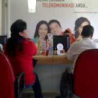 Photo taken at Galeri Smartfren by Donny H. on 7/27/2012