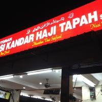 Photo taken at Restoran Nasi Kandar Haji Tapah by GQ .. on 8/24/2012