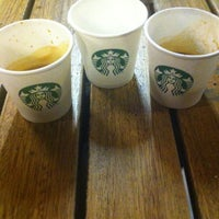Photo taken at Starbucks by Emrah Ö. on 8/28/2012