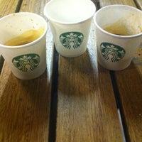 8/28/2012 tarihinde Emrah Ö.ziyaretçi tarafından Starbucks'de çekilen fotoğraf