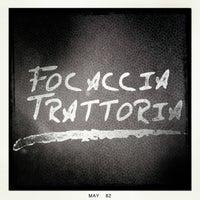 Foto tomada en Focaccia Trattoria por Ben O. el 5/26/2012