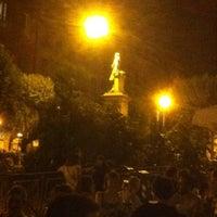 Foto tirada no(a) Piazza Vincenzo Bellini por Ale I. em 8/9/2012