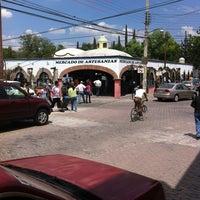Foto tomada en Mercado Turístico Artesanal Tequisquiapan por Angel R. el 4/1/2012