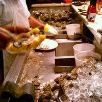 2/11/2012 tarihinde Taylorziyaretçi tarafından Pascal's Manale Restaurant'de çekilen fotoğraf