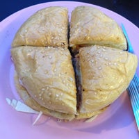 Photo taken at Restoran Selera Moden by EDL on 8/5/2012