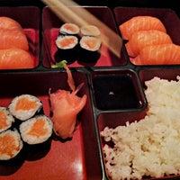 รูปภาพถ่ายที่ Un Soir à Shibuya โดย Thibault F. เมื่อ 9/8/2012