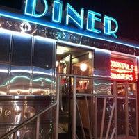 3/27/2012にBrandon B.が11th Street Dinerで撮った写真