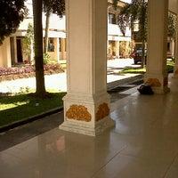Photo taken at Kantor Dinas Pendidikan Provinsi Riau by Muhammad R. on 5/12/2012