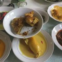 Photo taken at Sari Indah Padang Restaurant by Derry F. on 5/26/2012