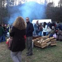 Photo taken at Mountain Paradise by Doris E. on 12/11/2011