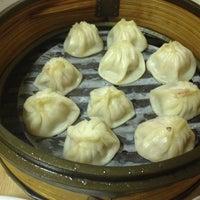 Photo taken at Shanghai Dumpling King by Hung T. on 7/6/2012