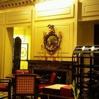 Foto scattata a Barclay Bar & Grill da shohei f. il 9/6/2011