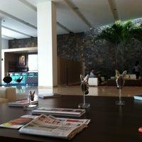 Photo taken at Lobby Bar Hotel Estelar by Camilo G. on 10/20/2011