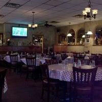 11/26/2011 tarihinde Kyler T.ziyaretçi tarafından Salerno's Restaurant'de çekilen fotoğraf