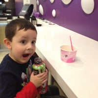 Photo prise au Blizz Frozen Yogurt par Jackie P. le4/7/2012