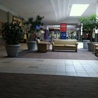 4/26/2012にVira L.がMeridian Mallで撮った写真