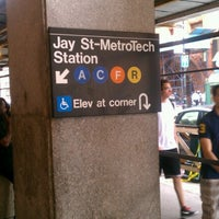 Photo taken at MTA Subway - Jay St/MetroTech (A/C/F/R) by Rob 🌱🌻🌼🌞 C. on 9/4/2012