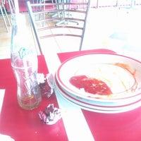 รูปภาพถ่ายที่ KFC โดย padi r. เมื่อ 11/30/2011