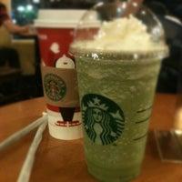 Foto diambil di Starbucks oleh Sofyan D. pada 12/17/2011
