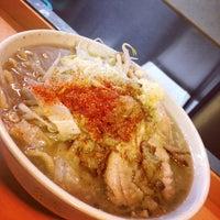 Photo taken at ラーメン荘 地球規模で考えろ by Inoue T. on 10/20/2011