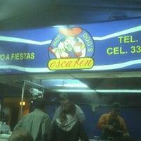 Foto tomada en Hot Dog's Oscarín por Efrain F. el 10/14/2011