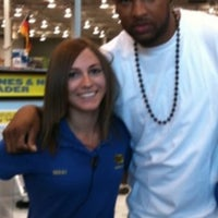 Photo taken at Best Buy by Dustin M. on 9/13/2011