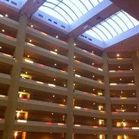 Photo taken at Hilton Phoenix/Mesa by john h. on 5/10/2012