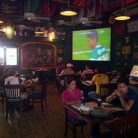 Foto tomada en Legends Sports Bar & Grill por mafer g. el 4/14/2012