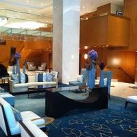 Photo taken at The Ritz-Carlton Toronto by Melly on 5/29/2011