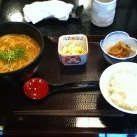 Photo taken at 赤坂 やしま by Taku 目. on 6/25/2012