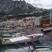 Foto scattata a Porto Turistico di Capri da Adriana M. il 5/26/2012