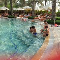 7/7/2012 tarihinde Annie S.ziyaretçi tarafından One and Only Royal Mirage Resort'de çekilen fotoğraf