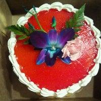 6/2/2012 tarihinde Estella P.ziyaretçi tarafından Cakes of Paradise'de çekilen fotoğraf