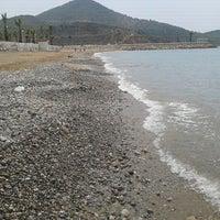 Foto tirada no(a) Aydıncık Plajı por Aybuke T. em 7/22/2012