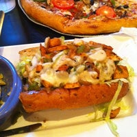 Photo taken at Mellow Mushroom by Cherie C. on 9/17/2011