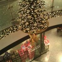 Das Foto wurde bei Ring-Center von bnz am 11/23/2011 aufgenommen