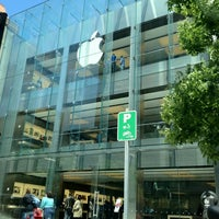 Photo taken at Apple Boylston Street by Samira Q. on 5/17/2012