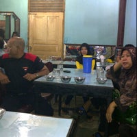 Photo taken at Rumah Makan Singgalang Jaya by Dani M. on 1/1/2012