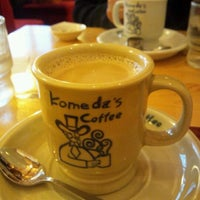 Photo taken at Komeda's Coffee by Hii Y. on 11/6/2011