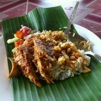 Photo taken at Nasi Dagang Warisan by Engku A. on 3/22/2012