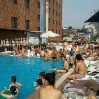 Photo taken at Hamilton Hotel Swimming Pool by Gene O. on 9/1/2011