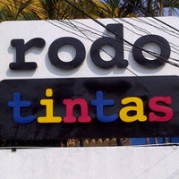 Photo taken at Rodotintas by Sebastian R. on 11/18/2011