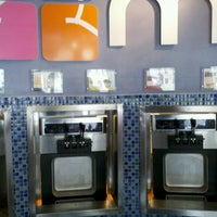 Photo taken at Mixx Frozen Yogurt by Max S. on 8/21/2011