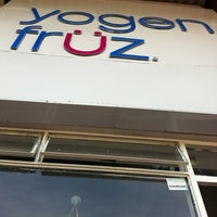 Photo taken at Yogen Früz by Gabriel B. on 3/18/2012