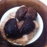 Photo taken at Restaurant Mon Nan by Ryan L. on 8/7/2011