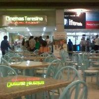 Foto tirada no(a) Cinemas Teresina por Rodrigo L. em 9/5/2011