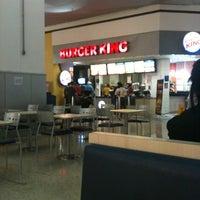Photo taken at Burger King by Victão L. on 6/12/2012