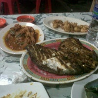 Photo taken at Seafood45 by Taufan A. on 7/10/2012