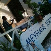 6/23/2012 tarihinde aLiço®ziyaretçi tarafından Meyhane Şerefe'de çekilen fotoğraf